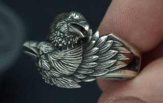 Two ravens ring. Huginn and Muninn in silver. Organic jewelry by voronart.com