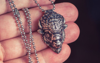 Bison head silver pendant (4cm) get it
