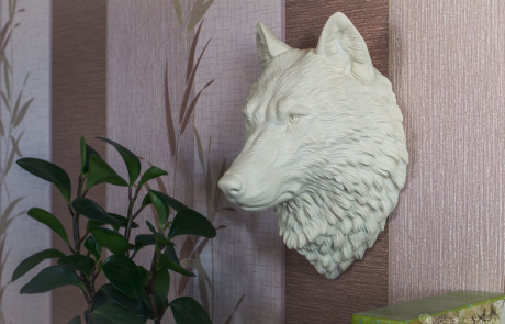 Wolf head faux taxidermy, animal wall mount. An unique home decor